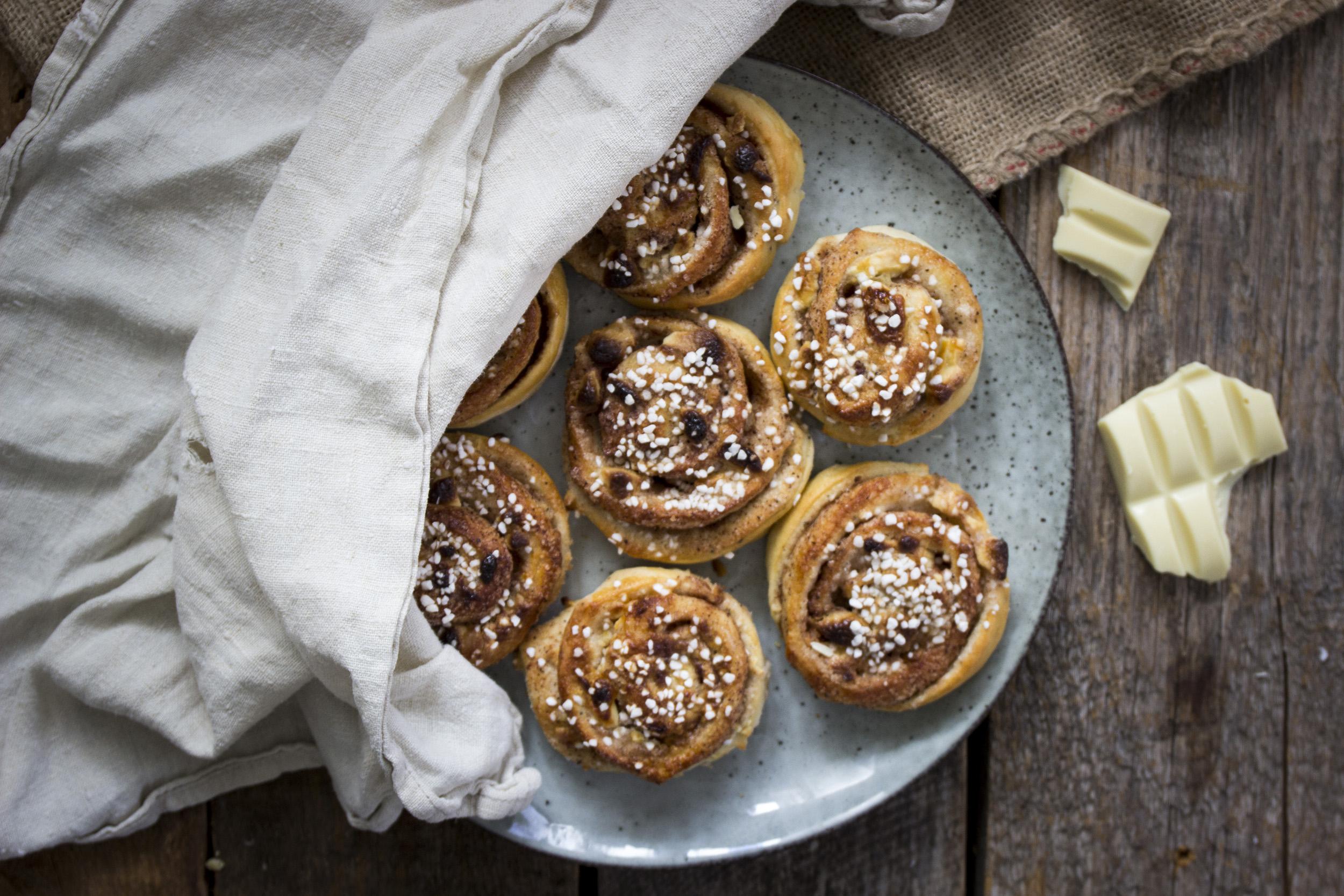 Kanelbullar med vit choklad | Foodfolder - Vin, matglädje och inspiration!